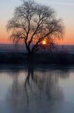 Por do sol da paisagem no rio Imagens de Stock Royalty Free