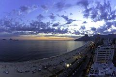 Por do sol da praia de Ipanema Imagens de Stock Royalty Free