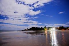 Por do sol da praia de Tofo, Mozambique Fotografia de Stock Royalty Free