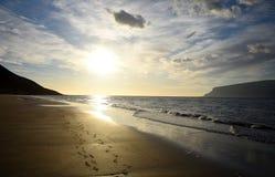 Por do sol da praia de Westfjords Fotos de Stock Royalty Free