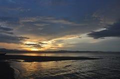 Por do sol 5 da praia de Wondama Fotografia de Stock Royalty Free