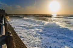 Por do sol da praia na porta velha Telavive Fotografia de Stock Royalty Free