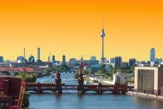 Por do sol da skyline de Berlim Imagens de Stock Royalty Free