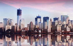 Por do sol da skyline de NYC New York Imagem de Stock