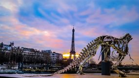 Por do sol da torre Eiffel, Paris França Imagens de Stock Royalty Free
