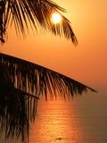 Por do sol de Ásia, mar de Andaman. imagens de stock royalty free
