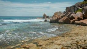 Por do sol de Art Beautiful sobre a praia tropical filme