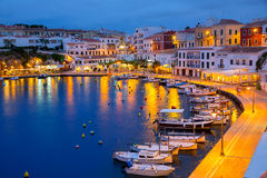 Por do sol de Calasfonts Cales Fonts Port em Mahon em Balearics Imagem de Stock
