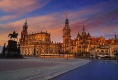Por do sol de Dresden em Theaterplatz em Saxony Alemanha Foto de Stock Royalty Free