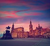 Por do sol de Dresden em Theaterplatz em Saxony Alemanha Imagem de Stock Royalty Free