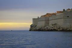 Por do sol de Dubrovnik fotos de stock