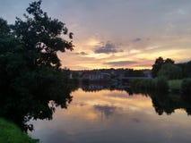 Por do sol de Exeter, fotografia de Exe do rio imagens de stock