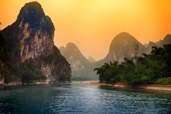 Por do sol de Li River, Gulin, China Fotografia de Stock