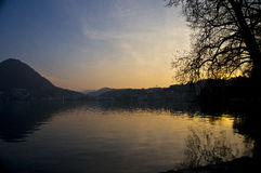 Por do sol de Lugano do lago Foto de Stock Royalty Free
