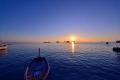 Por do sol de Maldivas imagens de stock