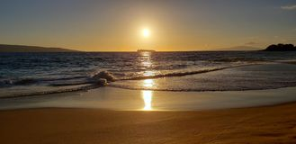 Por do sol de Molokini foto de stock royalty free