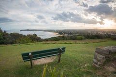 Por do sol de Mona Vale Headland, Mona Vale, NSW, Austrália imagem de stock