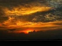 Por do sol de nivelamento colorido fotos de stock