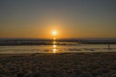 Por do sol de Oceano Atlântico fotos de stock