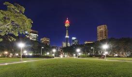 Por do sol de Sydney City Hyde Park fotografia de stock