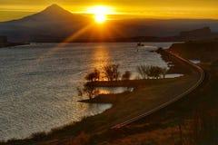 Por do sol, desfiladeiro do Rio Columbia, Washington State foto de stock