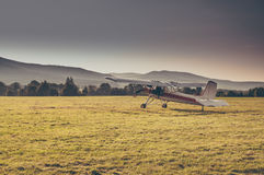 Por do sol do aeroporto Imagem de Stock Royalty Free