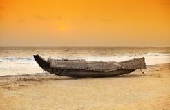 Por do sol do barco de Kerala Imagem de Stock Royalty Free
