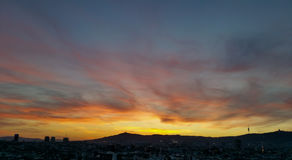 Por do sol do cirro, Barcelona Imagem de Stock Royalty Free