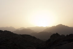 Por do sol do deserto imagem de stock