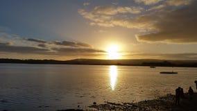 Por do sol do estuário de Exe do rio, Topsham Devon imagem de stock