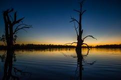 Por do sol do lago fotografia de stock