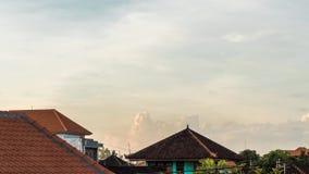 por do sol do lapso de tempo 4K em uma ilha tropical de Bali, Indonésia Timelapse com cores surpreendentes filme