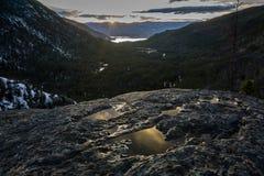 Por do sol do leste da entrada, Rocky Mountain National Park foto de stock