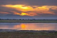 Por do sol do leste do lago Tsavo Foto de Stock Royalty Free