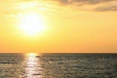 Por do sol do mar Fotos de Stock