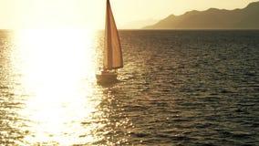 Por do sol do mar vídeos de arquivo
