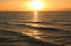 Por do sol do mar Foto de Stock Royalty Free