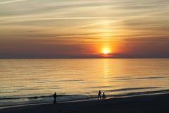 Por do sol do mar Báltico Imagens de Stock