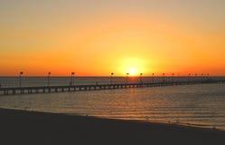 Por do sol do mar na praia Foto de Stock Royalty Free