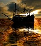Por do sol do navio Fotografia de Stock