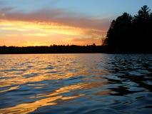 Por do sol do norte do lago wisconsin imagem de stock