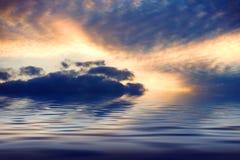 Por do sol do oceano Imagem de Stock