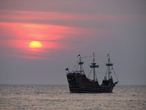 Por do sol do pirata Fotografia de Stock