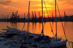 Por do sol do porto Fotos de Stock Royalty Free