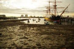 Por do sol do porto imagens de stock royalty free