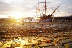 Por do sol do porto Imagens de Stock