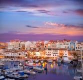 Por do sol do porto do porto de Ciutadella Menorca com barcos imagens de stock royalty free