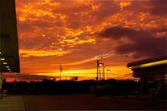 Por do sol 1 do posto de gasolina Imagens de Stock