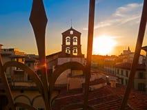 Por do sol do telhado de Toscânia em Florença, Itália Fotos de Stock Royalty Free