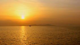 Por do sol dourado fotos de stock royalty free